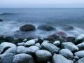 . . . ja meri lakub ära vahu, mis ta ise on kaldale jätnud. Kivid nii libedad vesi nii külm